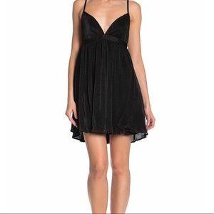 Show Me Your Mumu Black Eva Short Casual Dress